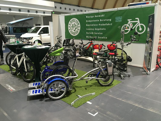Moderne und sportliche Optik der Dreiräder im Dreirad-Zentrum Bielefeld