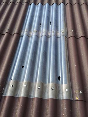 Defekte Lichtwellplatten (Hagelschlag)