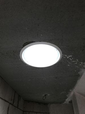 Tageslichtspot in Beton Decke
