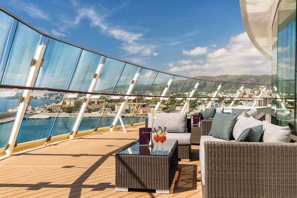Außenbereich X-Lounge |© TUI Cruises