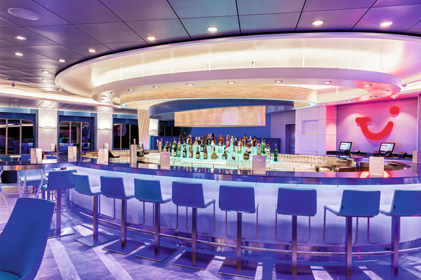 TUI Bar | © TUI Cruises