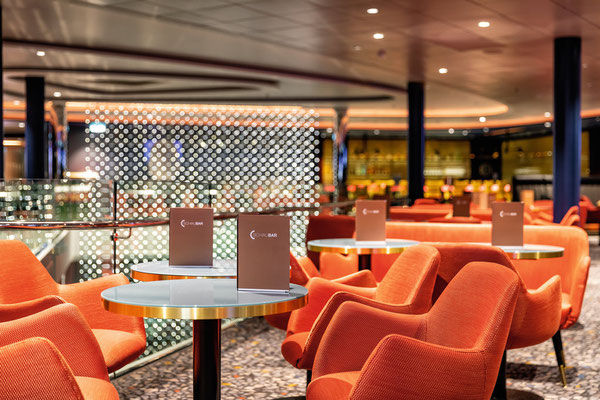 Schau Bar | © TUI Cruises