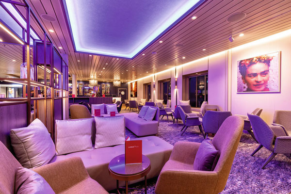 LUMAS Bar | © TUI Cruises