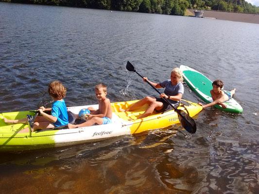 Kajak Wassersport Fun Action Aktion Ferienspass Feriencamp Urlaubsspass Campingplatz Wohnmobil Eifel Familie