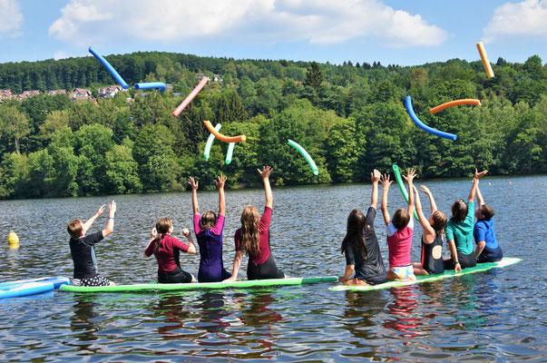 Schwimmnudeln SUP-Boards SUP-Board Neopren Spass Stimmung Spiel Fun Action Naherholung Ferienspass Gruppe Aufsicht