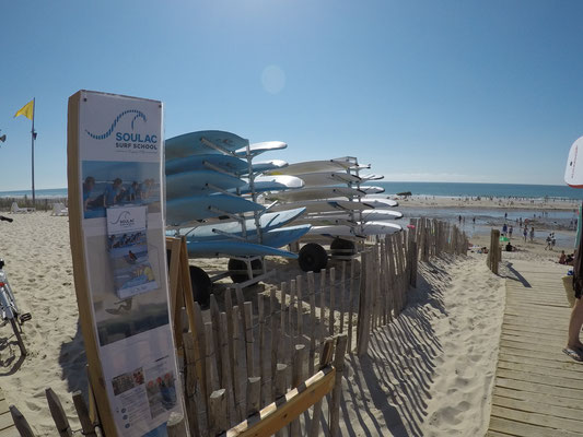 L'entrée de l'école de surf soulac surf school plage des naïades à soulac sur mer