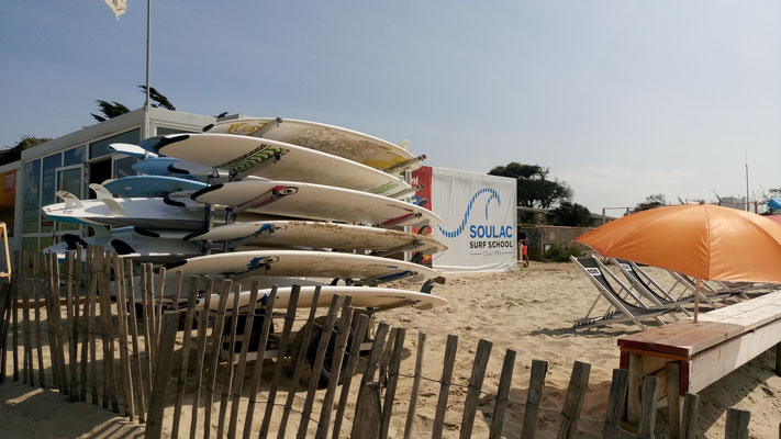 Soulac surf school, l'espace location & terrasse