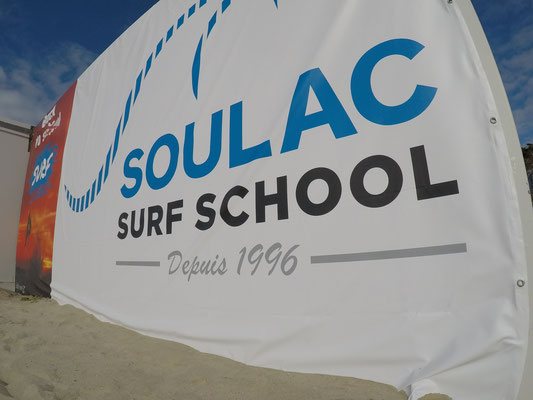 Depuis 1996, l'école de surf de Soulac sur Mer, en Gironde, Aquitaine, France