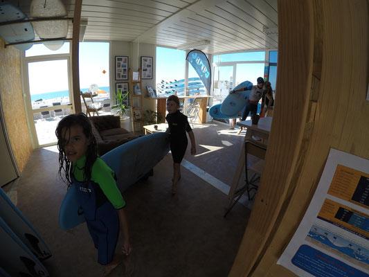 Retour de surf pour les kids soulac surf school