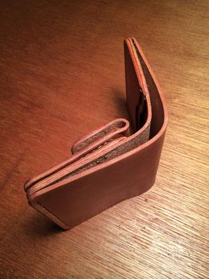 札入 × 1、 硬貨入 × 1、 カード入 × 2、 フリースペース × 1