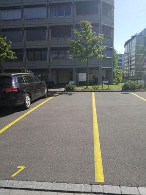 Hier parkieren - Parkplatz nr 7