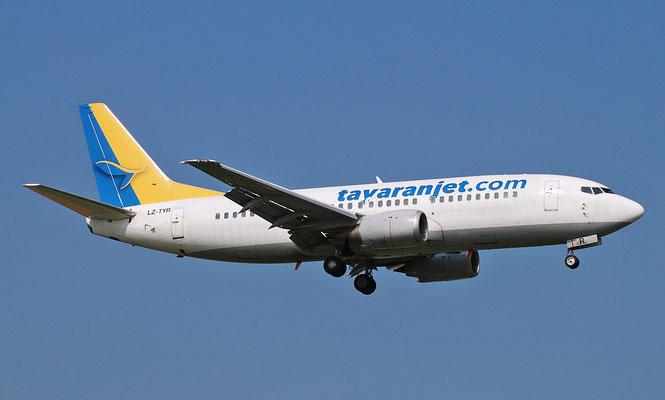 LZ-TYR B737-330 25414/2164 Tayaran Jet