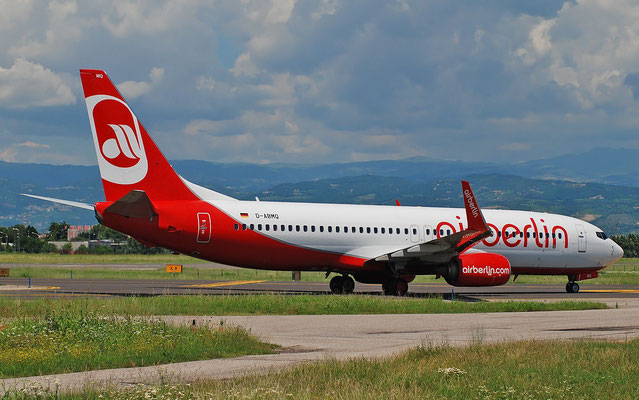 D-ABMQ B737-86J 37780/4500 TUI fly Germany @ Aeroporto di Verona 25.06.2018  © Piti Spotter Club Verona