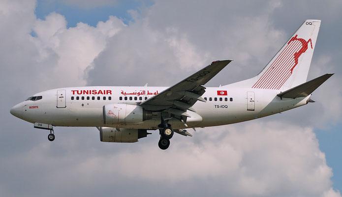 TS-IOQ B737-6H3 29501/563 Tunisair
