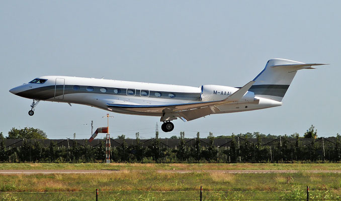 M-AAAL G650 6279 Global Jet Isle of Man