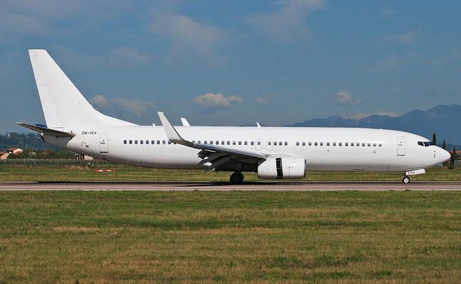 OM-FEX B737-8Q8 28213/50 AirExplore