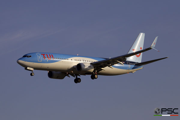G-TAWL B737-8K5 37243/4299 TUI Airways