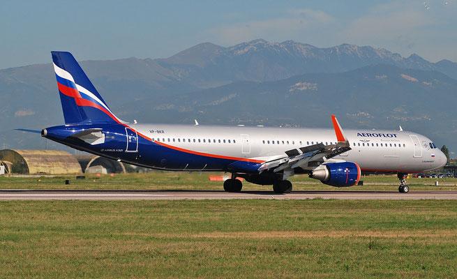 VP-BKR A321-211 7782 Aeroflot