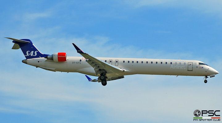 OY-KFG CRJ900 15237 SAS Scandinavian Airlines - Scandinavian Airlines System (foto del 2010)