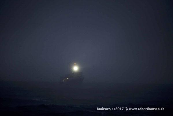Suchscheinwerfer im Nebel - 1/2017 © Robert Hansen