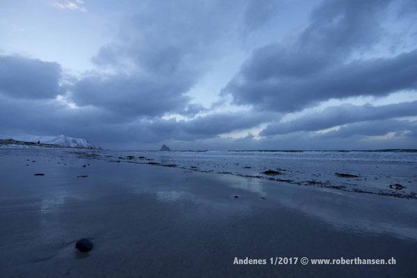 Farbenspiele am Strand von Bleik - 1/2017 © Robert Hansen
