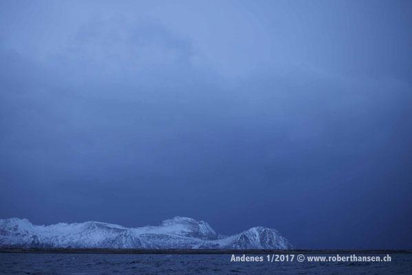 Andenes zur blauen Stunde - 1/2017 © Robert Hansen