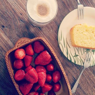 ...Erdbeerfrühstück...