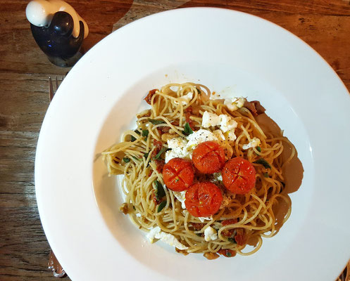 ...tolles Pasta-Gericht aus dem Kochhaus mit mariniertem Mozarella...