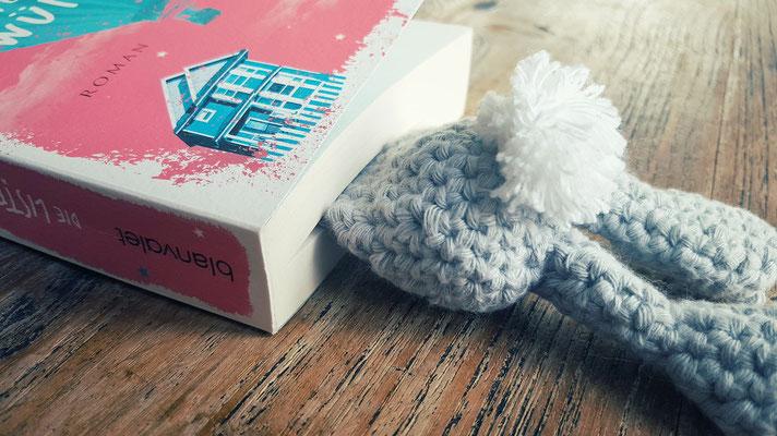 ...handmade happiness...Hasen eignen sich offenbar gut als Lesezeichen...