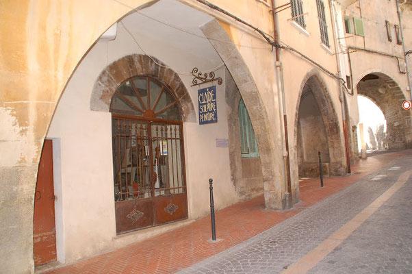 tourisme Ollioules : ruelle du village