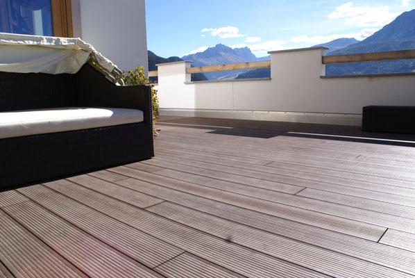 Eine Terrasse mit wunderschöner Aussicht