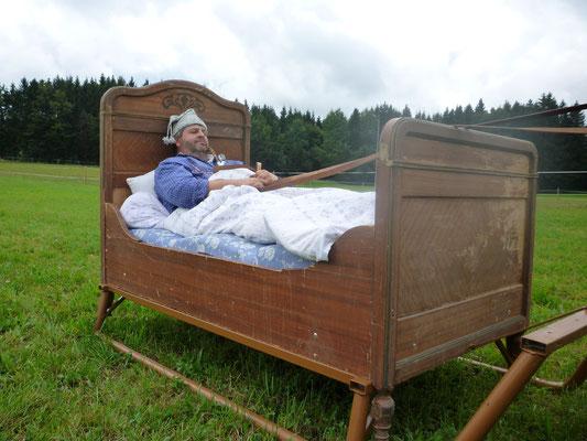Schlafstunde im Bett-Schlitten
