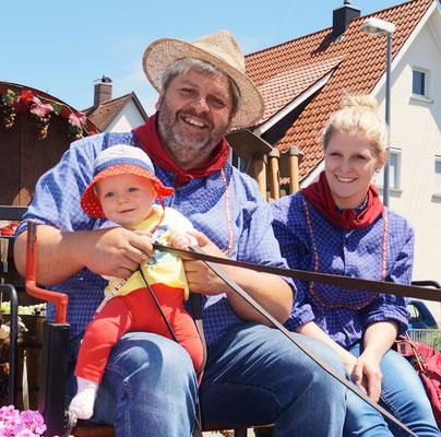 Georg, Franzi  & Emily beim Montfortfest 2016