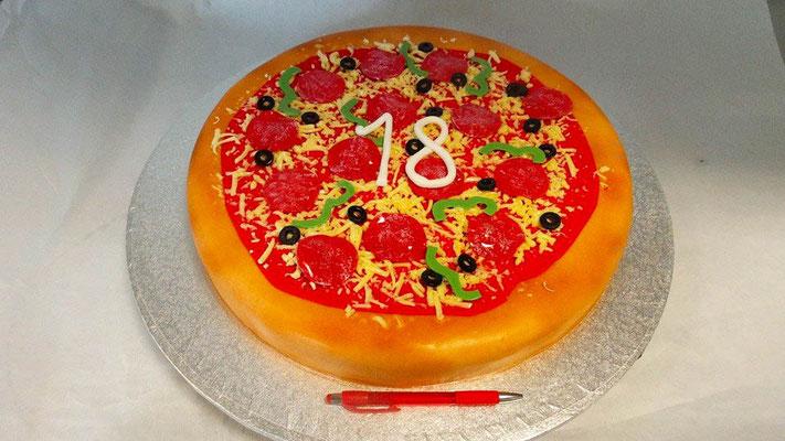 Pizza Torte  @ Renates Torten Design