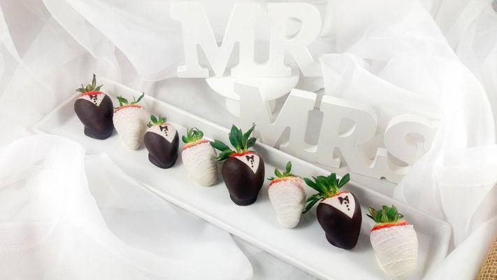 Erdbeeren in Schokolade Wedding Cake Pops Renates Torten Design Vorarlberg