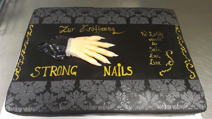 Torte Strong Nails @ Renates Torten Design Vorarlberg