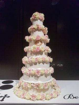 8 stöckige Hochzeitstorte Vorarlberg Renates Torten Design