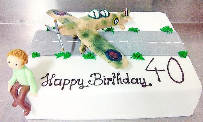 Geburtstagstorte Flugzeug Jagdflieger @ Renates Torten Design
