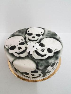 Skull  Geburtstagstorte Renates Torten Design