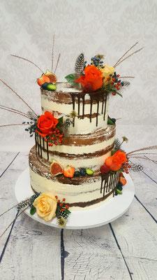 Herbstliche Hochzeitstorte von Renates Torten Design, Semi Naked Cake mit Blumen und Feigen