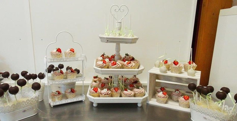 Sweet Table Hochzeit @ Renates Torten Design