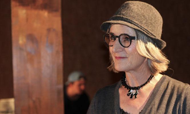 Verena Steurer in Der wunderbare Massenselbstmord