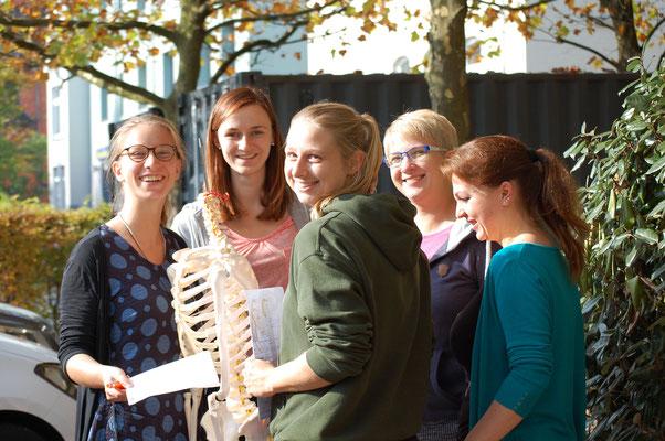 Anatomie Outdoorunterricht an der Prof. Grewe Schule
