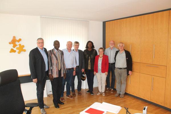 Gruppenbild im Rathaus Ochsenhausen