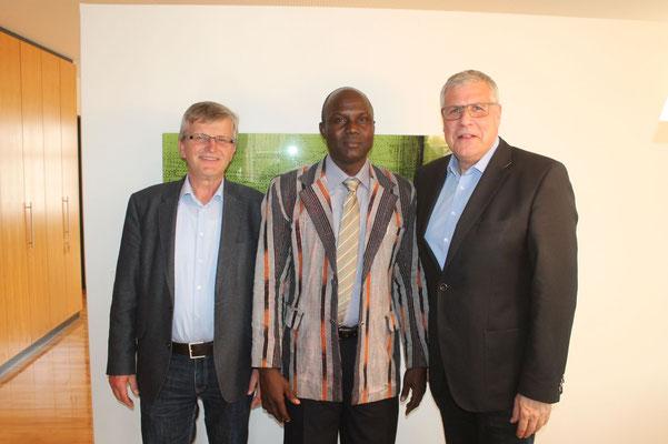 Die Bürgermeister mit Josue Ouoba