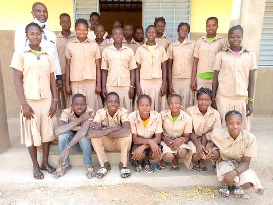 Die Abschlussklasse 3ième - die Mädchen sind in der Mehrheit