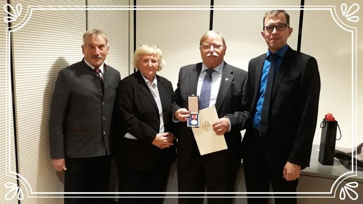 Kauferings Bürgermeister Erich Püttner, Gisela Baur, Karl Baur, Jürgen Lindner