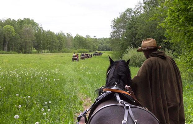 Smagiausia važiuoti miškų ir laukų keliukais / Foto: Kristina Stalnionytė