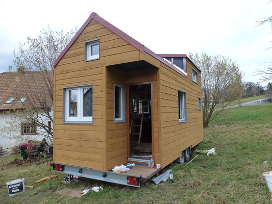 Tiny House mit Fenstersimsen