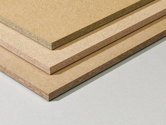 Zur Vollständigkeit der Materialkunde: Spanplatte (soweit ich weiss, werden die aber nicht für den Holzbau verwendet, sondern für den Möbelbau... z.B. IKEA)